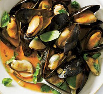 vietnamese-mussels-in-coconut-milk.jpg